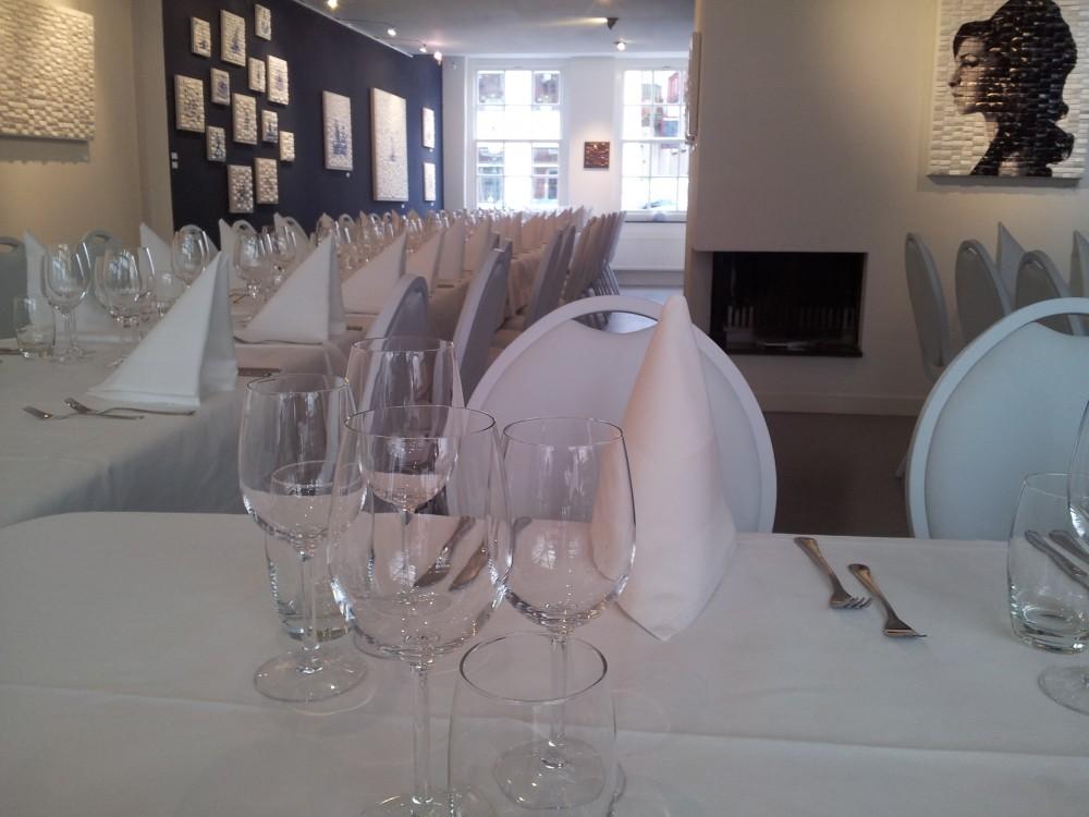 De galerie als trouwlocatie, voor de huwelijksvoltrekking, recepties, diner en feest