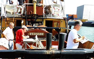 kunstenaars op stoom zeesleepboot de furie